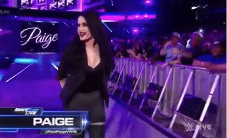 WWE's Paige Becomes New Smackdown GM After Post-Wrestlemania Retirement