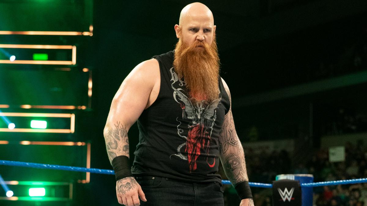 La superestrella actual de Monday Night Raw, Erick Rowan.